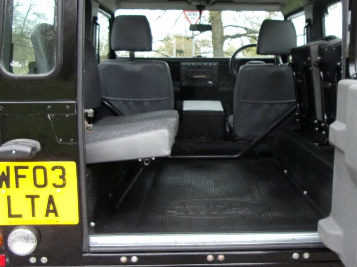 2003 Genuine Defender County Station Wagon - Excellent. For Sale (picture 5 of 6)