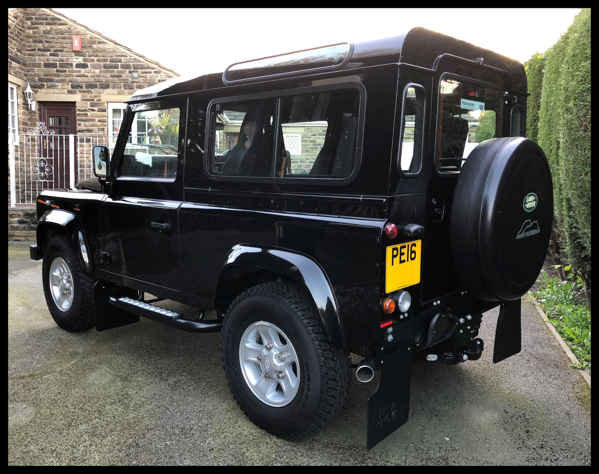 2016 Land Rover Defender 90XS TD - Only 62 mls - The Market SOLD by Auction (picture 3 of 6)