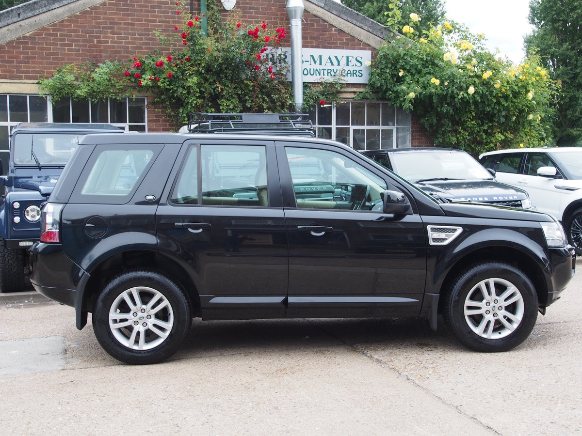 2013 Land Rover Freelander 2 2.2 TD4 XS For Sale (picture 2 of 6)