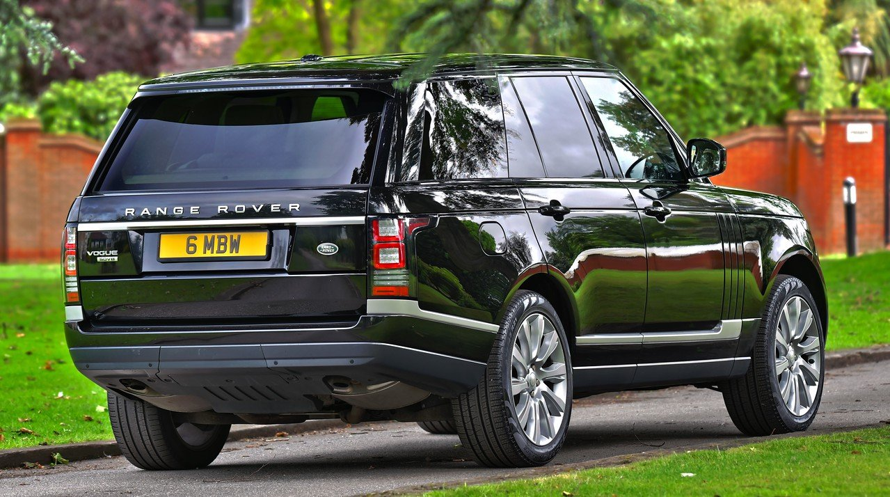 2014 Land Rover Range Rover Vogue 4.4 SDV8 339 BHP For Sale (picture 2 of 6)