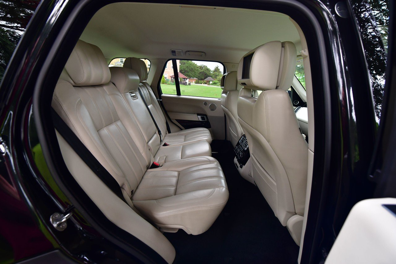 2014 Land Rover Range Rover Vogue 4.4 SDV8 339 BHP For Sale (picture 5 of 6)