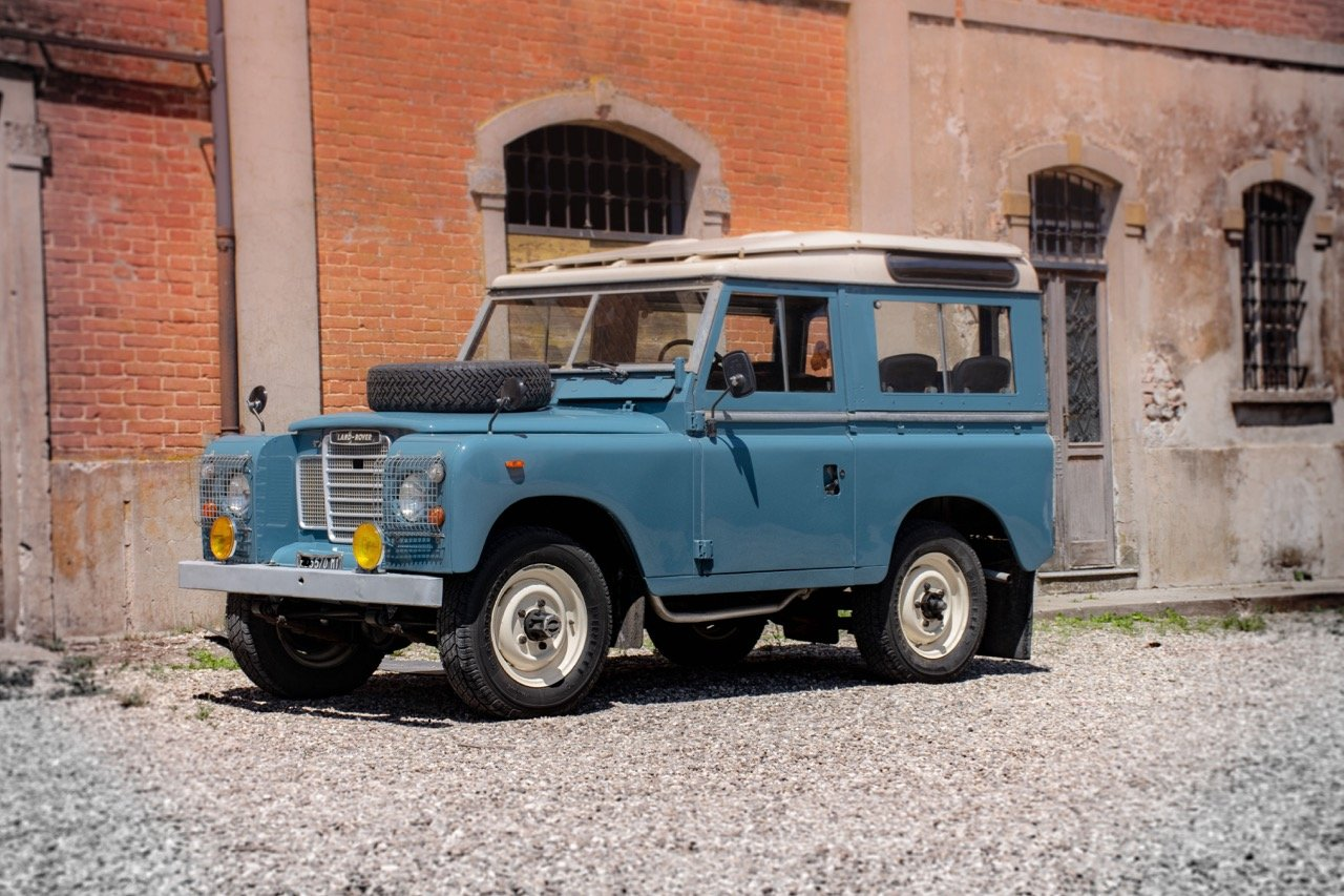 1974 Land Rover 88 - ASI & Stunning! For Sale (picture 1 of 6)