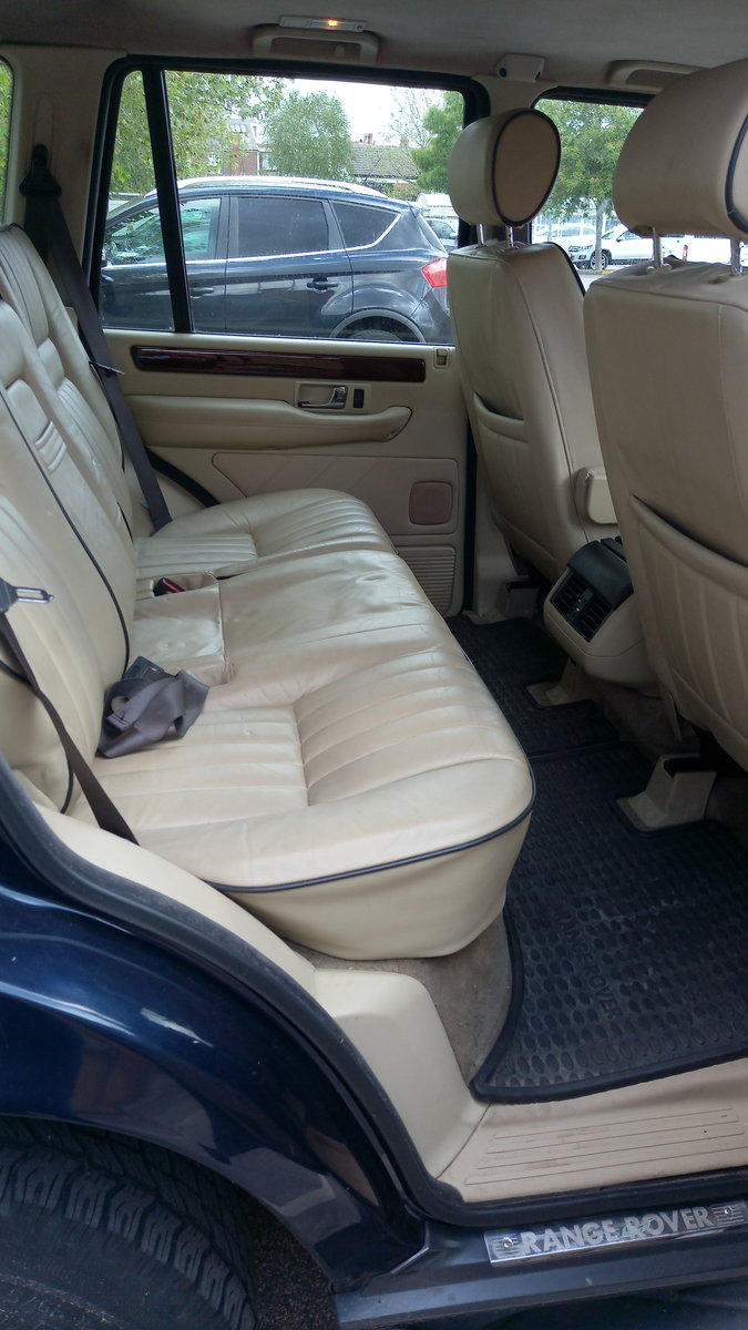 2000 Range Rover 2.5 DSE Auto, Exceptionally Low Miles For Sale (picture 4 of 6)