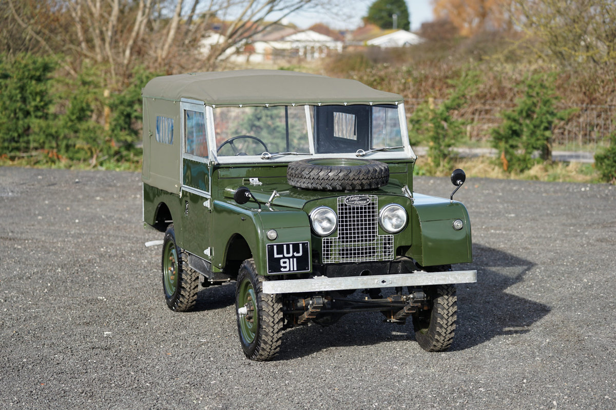 Land Rover Series 1 86 Soft Top 1955 Nut & Bolt Restoration  For Sale (picture 1 of 6)
