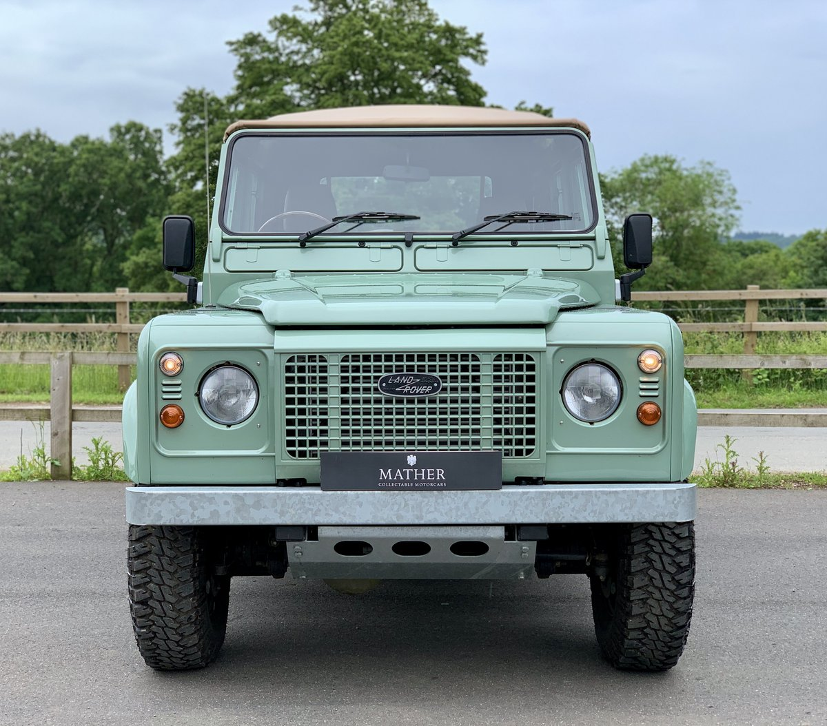 2002 Land Rover Defender 110 Safari  For Sale (picture 2 of 12)