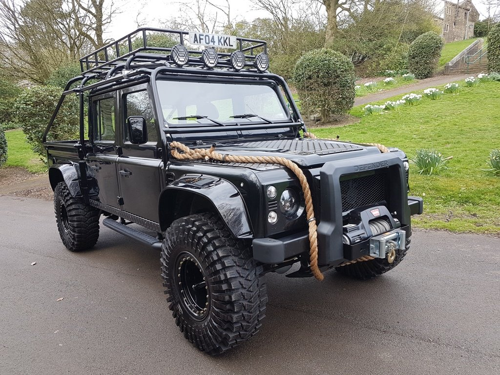 """2004 LAND ROVER DEFENDER 130 LHD """"SPECTRE"""" EDITION (LEFT HAN For Sale (picture 1 of 6)"""