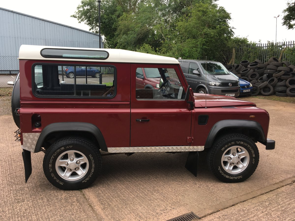 2005 Land Rover Defender 90 2.5 TD5 Station Wagon, Low Miles For Sale (picture 3 of 6)