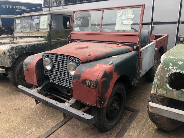 """1951 Land Rover Series One 80"""" Lights Through The Grille For Sale (picture 1 of 6)"""