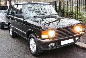 Range Rover Vogue SE 3.9 V8, in Beluga Black, 1993 For Sale