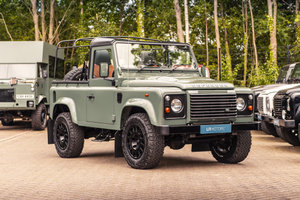 2015 Land Rover Defender 90 - Soft Top Conversion