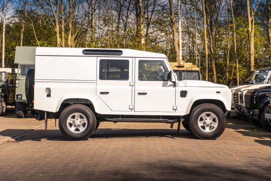 2016 Land Rover Defender 110 XS Utility Wagon For Sale (picture 6 of 6)
