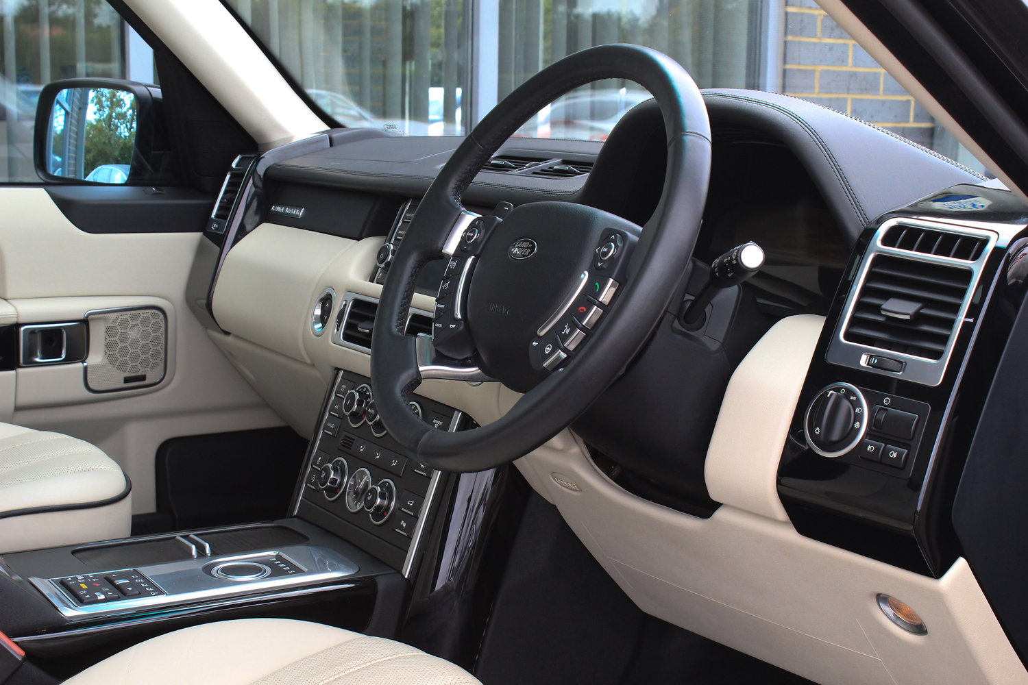 2012 62 RANGE ROVER 4.4TDV8 WESTERMINSTER AUTO  For Sale (picture 5 of 6)