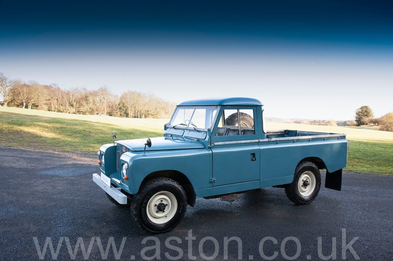 1969 Land Rover Series 2A - Ex Raf SOLD (picture 2 of 6)