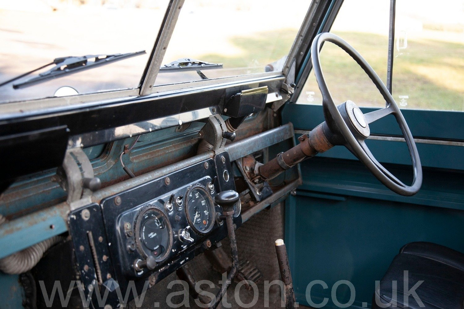 1969 Land Rover Series 2A - Ex Raf SOLD (picture 3 of 6)