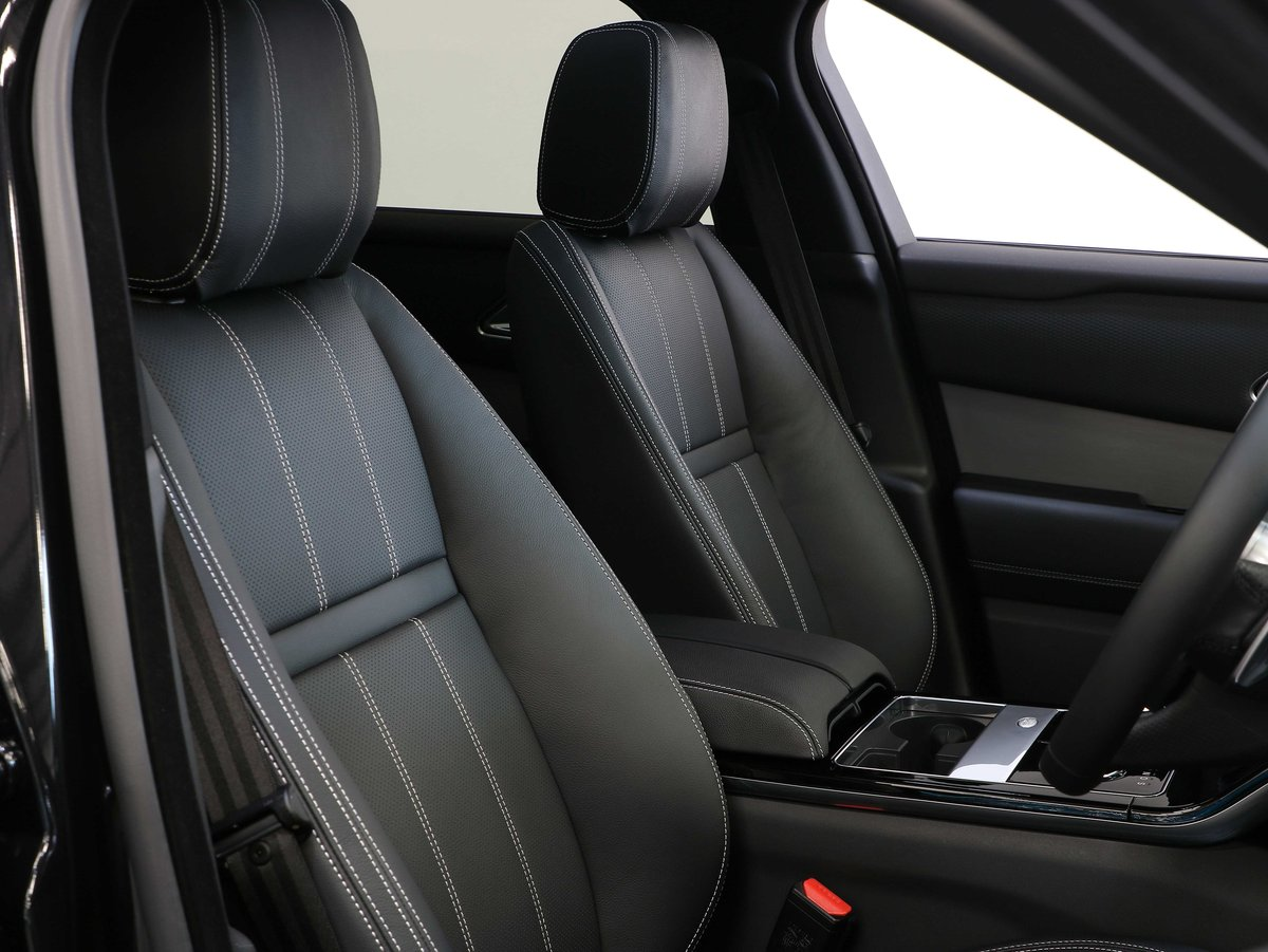 2018 18 68 RANGE ROVER VELAR RDYNAMIC S URBAN EDITION AUTO For Sale (picture 6 of 6)