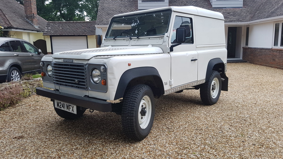 1994 Land rover defender 300tdi 1995 1 previous owner For Sale (picture 1 of 6)