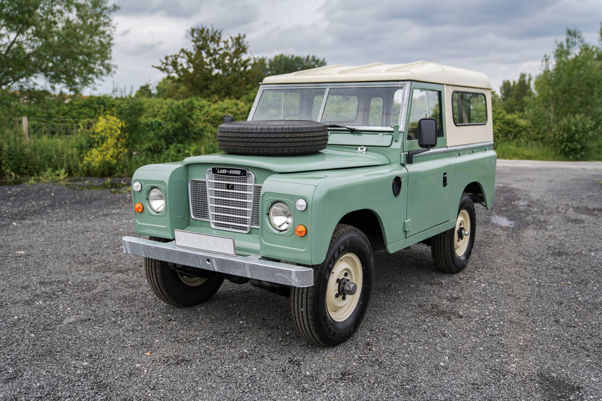 1983 Land Rover Series 3 88 Hardtop Pastel Green Restored SOLD (picture 2 of 6)