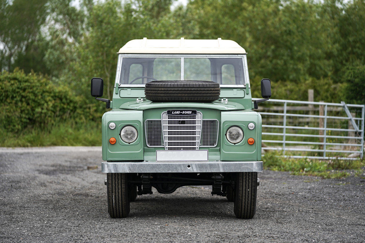 1983 Land Rover Series 3 88 Hardtop Pastel Green Restored SOLD (picture 3 of 6)