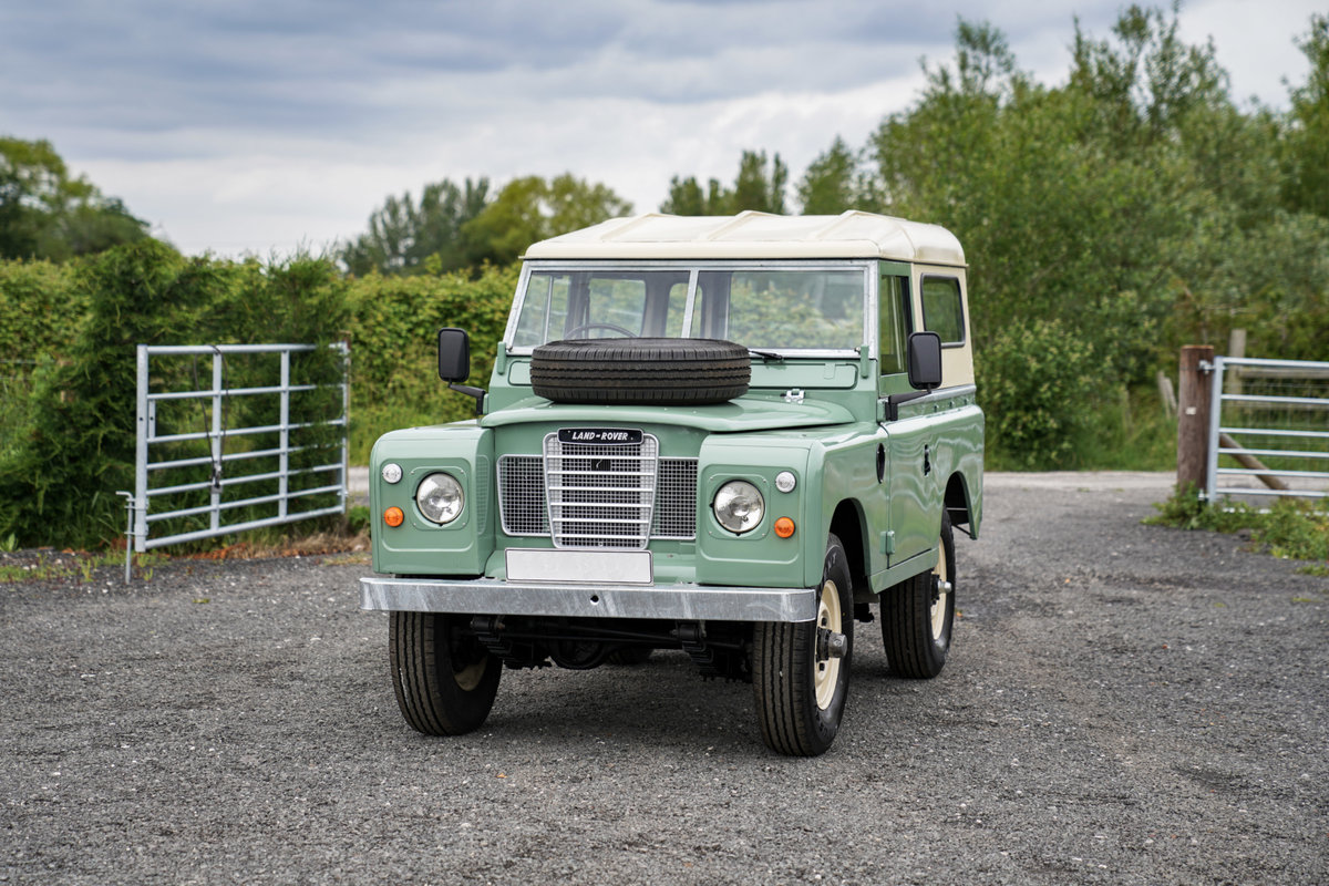 1983 Land Rover Series 3 88 Hardtop Pastel Green Restored SOLD (picture 4 of 6)