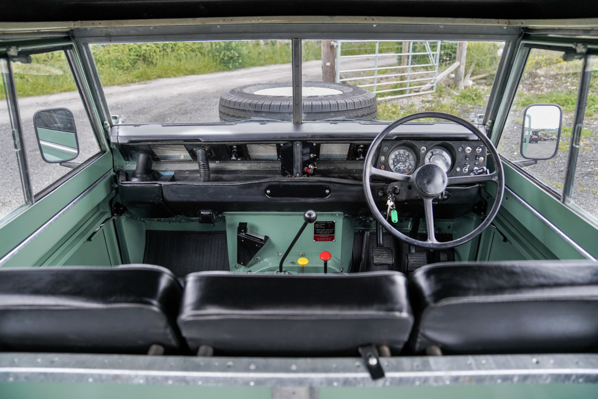 1983 Land Rover Series 3 88 Hardtop Pastel Green Restored SOLD (picture 6 of 6)