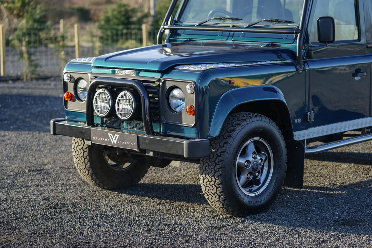 1999 Land Rover Defender 90 50th Anniversary Edition 4.0 V8 Autom SOLD (picture 3 of 6)