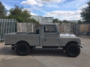 """1957 Land Rover series one 107"""""""