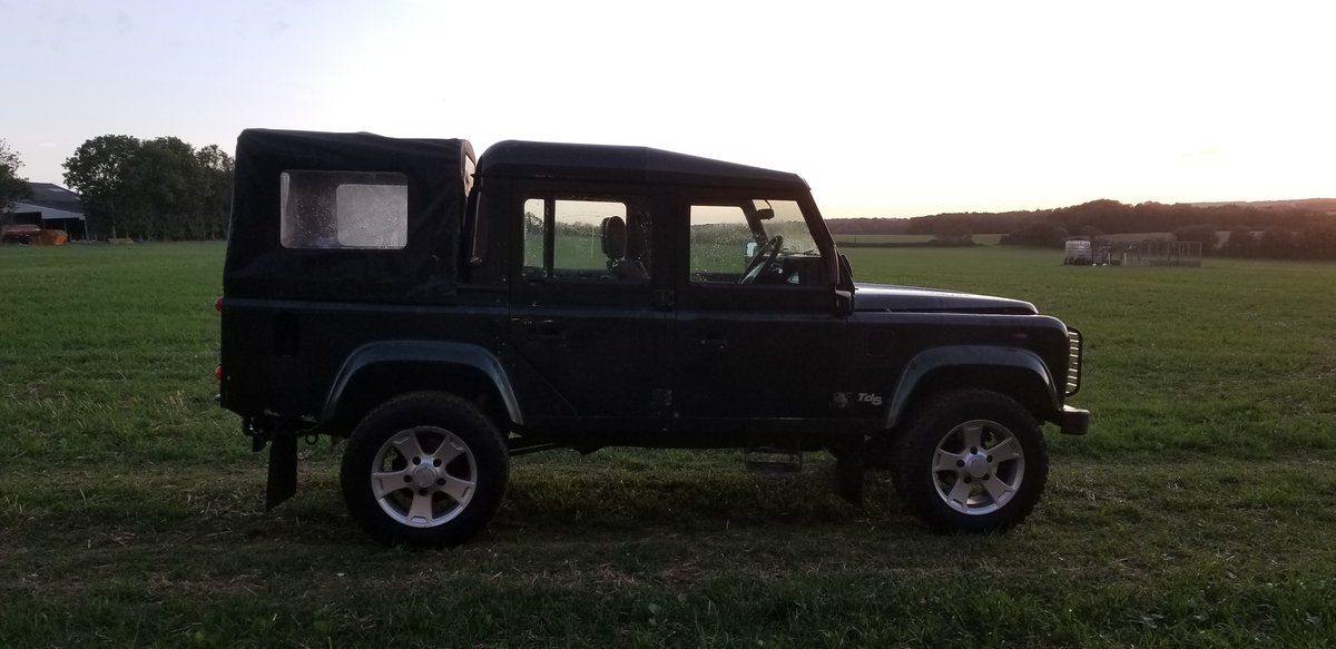 2001 Land Rover Defender 110 DCPU Green For Sale (picture 3 of 6)
