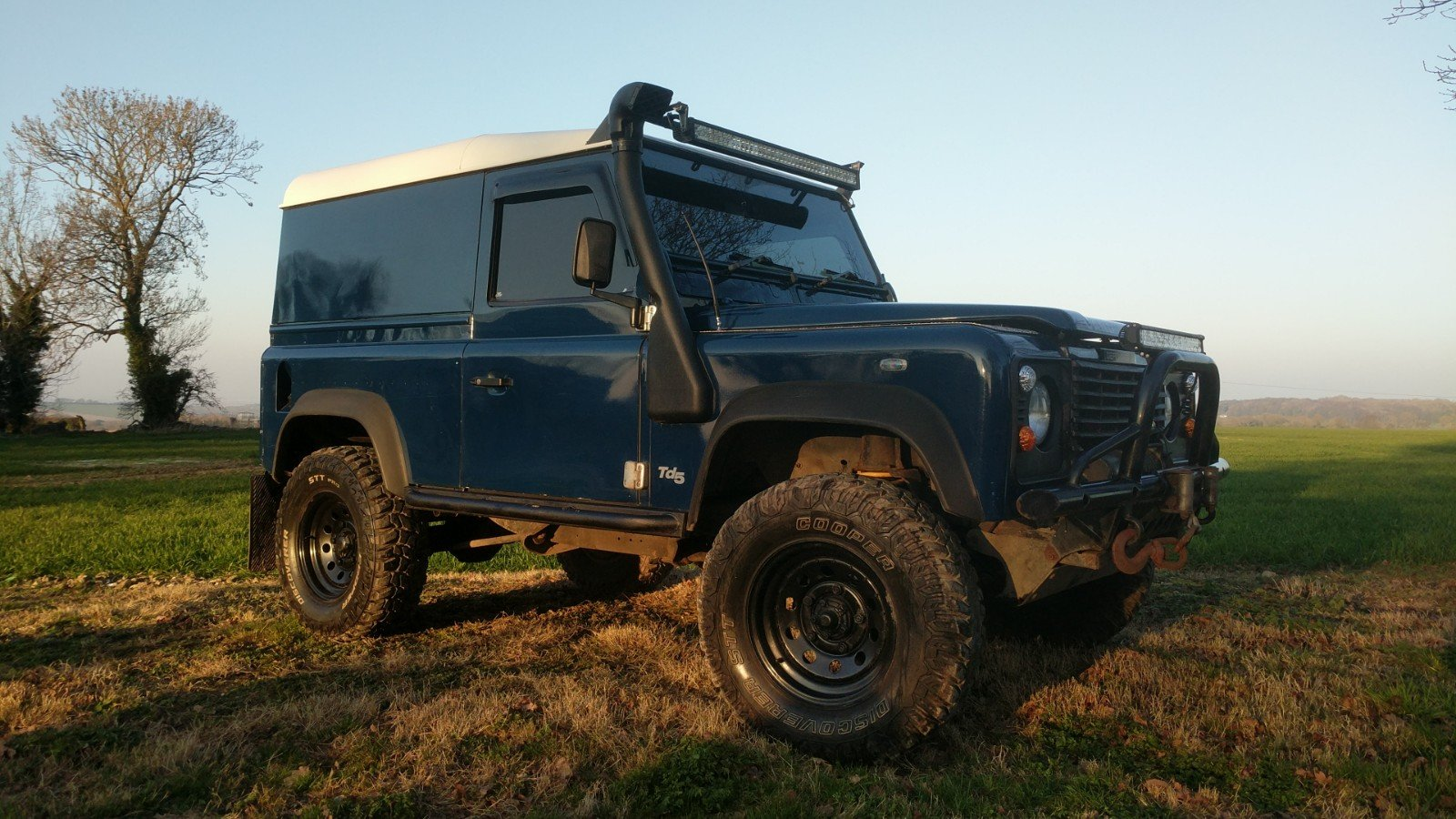 2005 Land Rover Defender 90 Van Imperial Blue For Sale (picture 1 of 6)