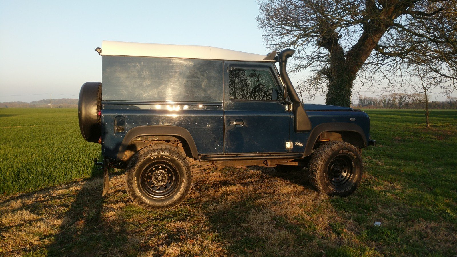 2005 Land Rover Defender 90 Van Imperial Blue For Sale (picture 2 of 6)