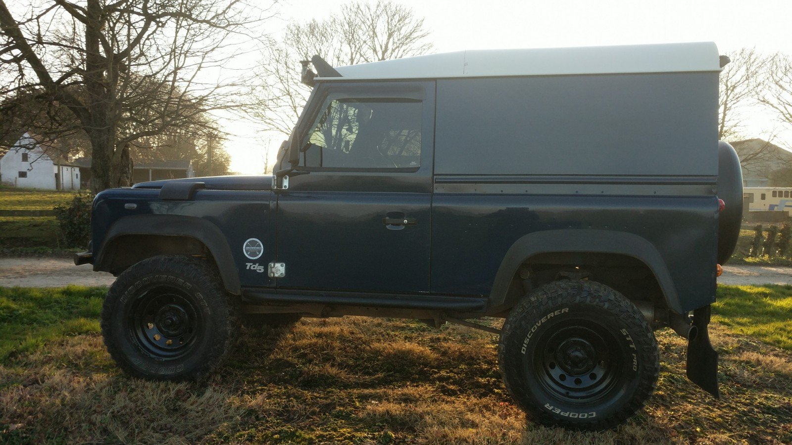 2005 Land Rover Defender 90 Van Imperial Blue For Sale (picture 3 of 6)