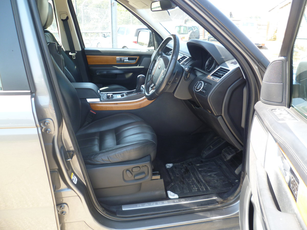 2009 Range Rover Sport 3.0l HSE TDV6 For Sale (picture 5 of 6)