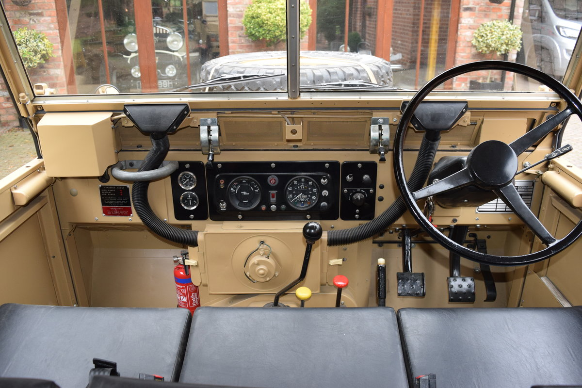 1972 Landrover Lightweight Early model For Sale (picture 3 of 6)