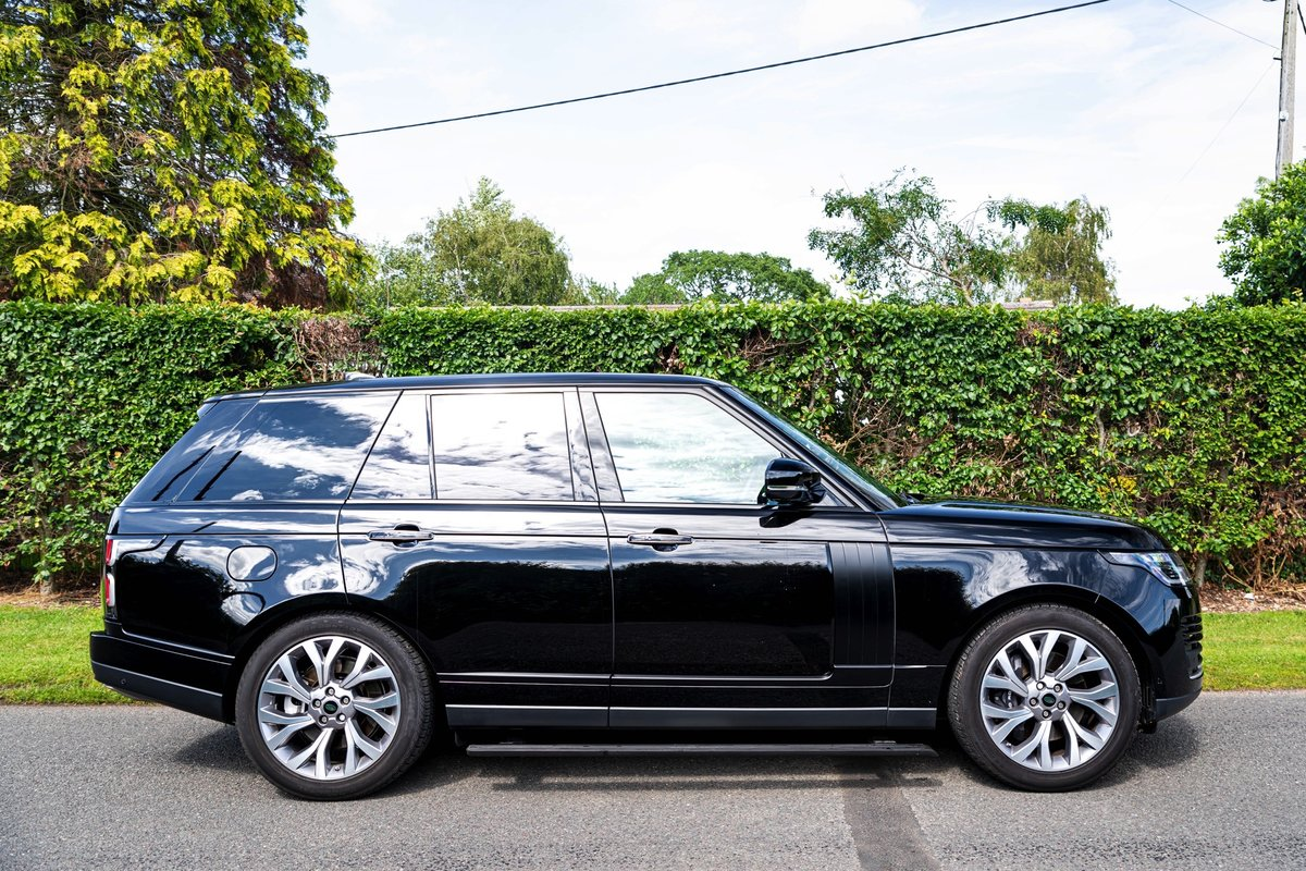 2018 (68) Range Rover P400e Autobiography For Sale (picture 1 of 6)