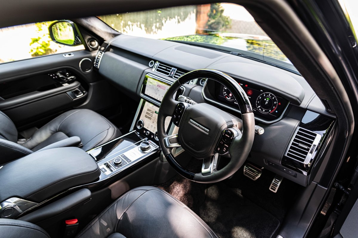 2018 (68) Range Rover P400e Autobiography For Sale (picture 5 of 6)