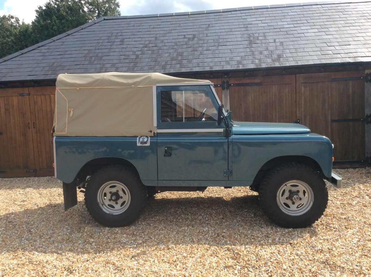 1984 Land Rover Series 3 Soft Top For Sale (picture 2 of 6)