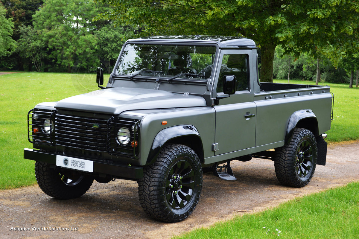 2009 Bespoke Land Rover Defender 110-Apple Car Play+Rev Camera For Sale (picture 1 of 6)
