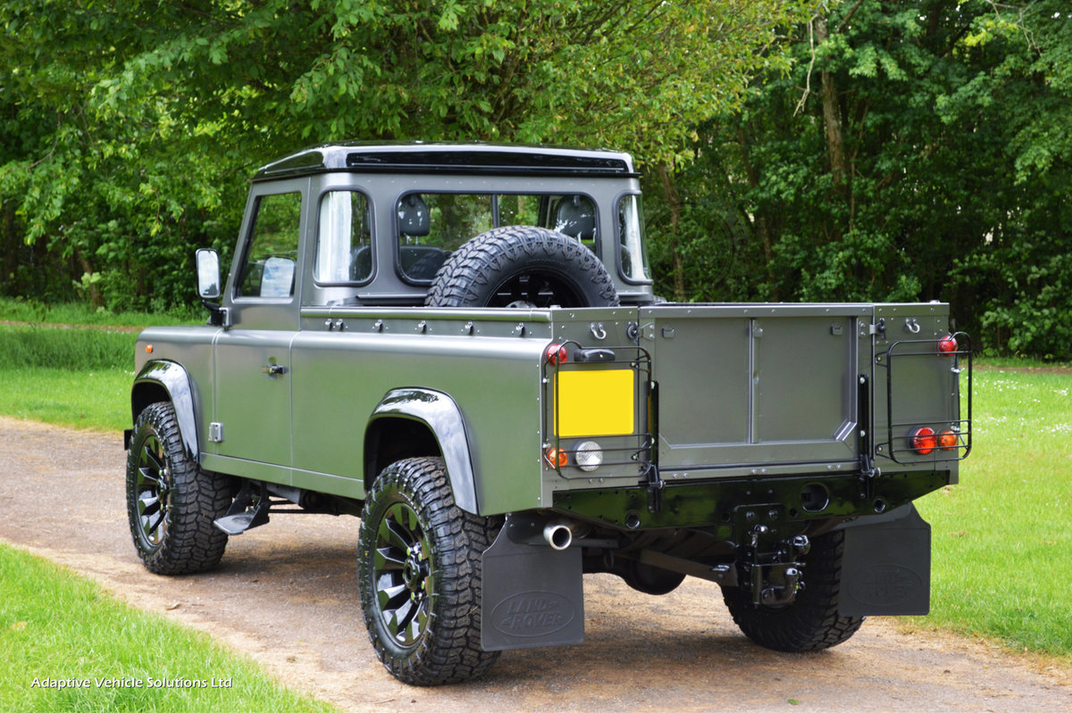 2009 Bespoke Land Rover Defender 110-Apple Car Play+Rev Camera For Sale (picture 2 of 6)