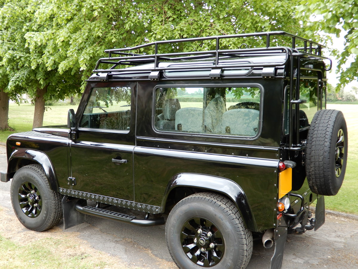 2004  Land Rover Defender 90 Factory CSW For Sale (picture 3 of 6)