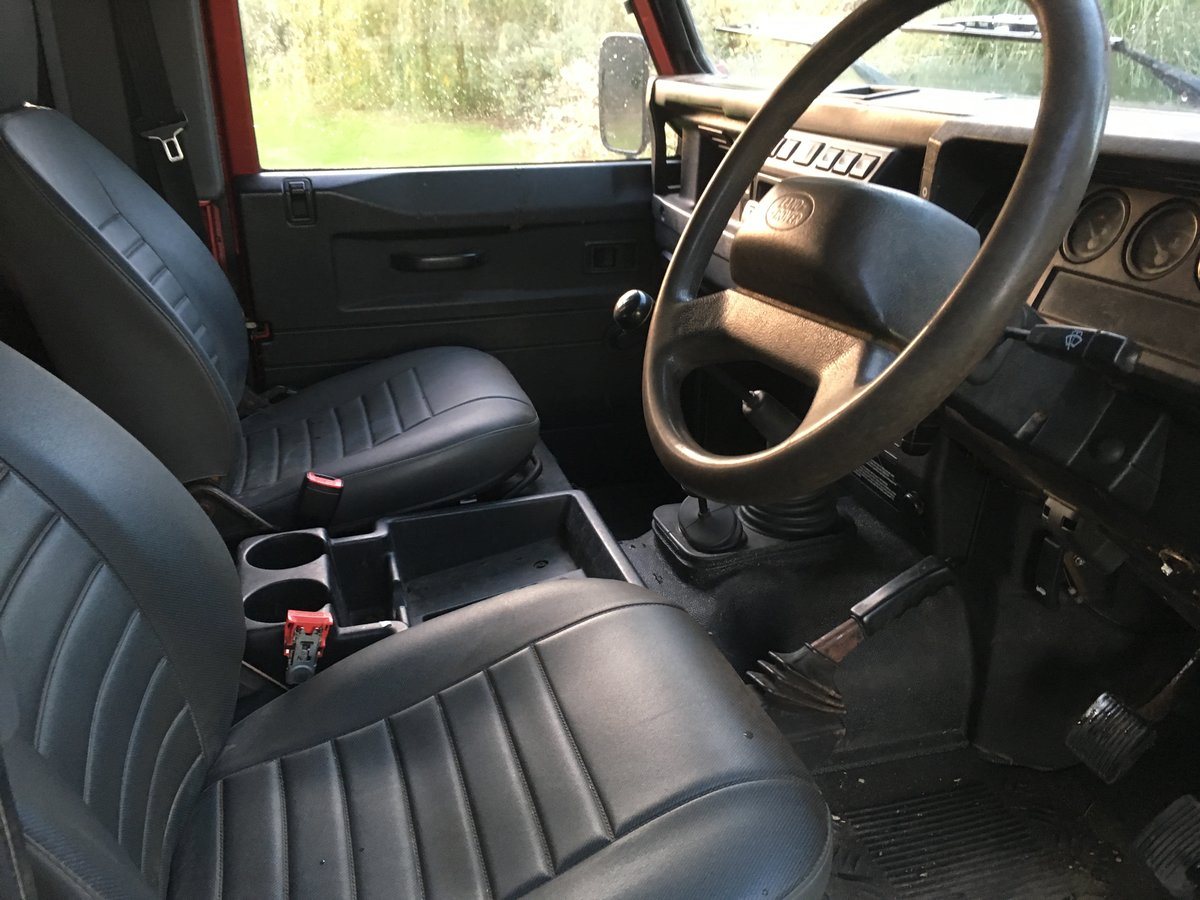 2006 Land Rover Defender 90 Factory Station Wagon For Sale (picture 4 of 6)