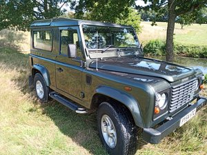 2004 Land Rover Defender 2.5 TD5 90 6 Seater.