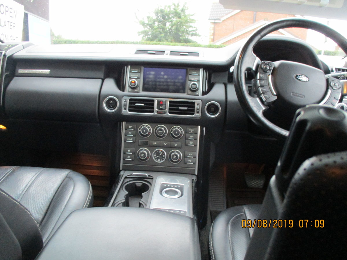 11 PLATE RANG ROVER VOGUE 2011  4.4TD V8 DIESEL 98,600 SMART For Sale (picture 6 of 6)