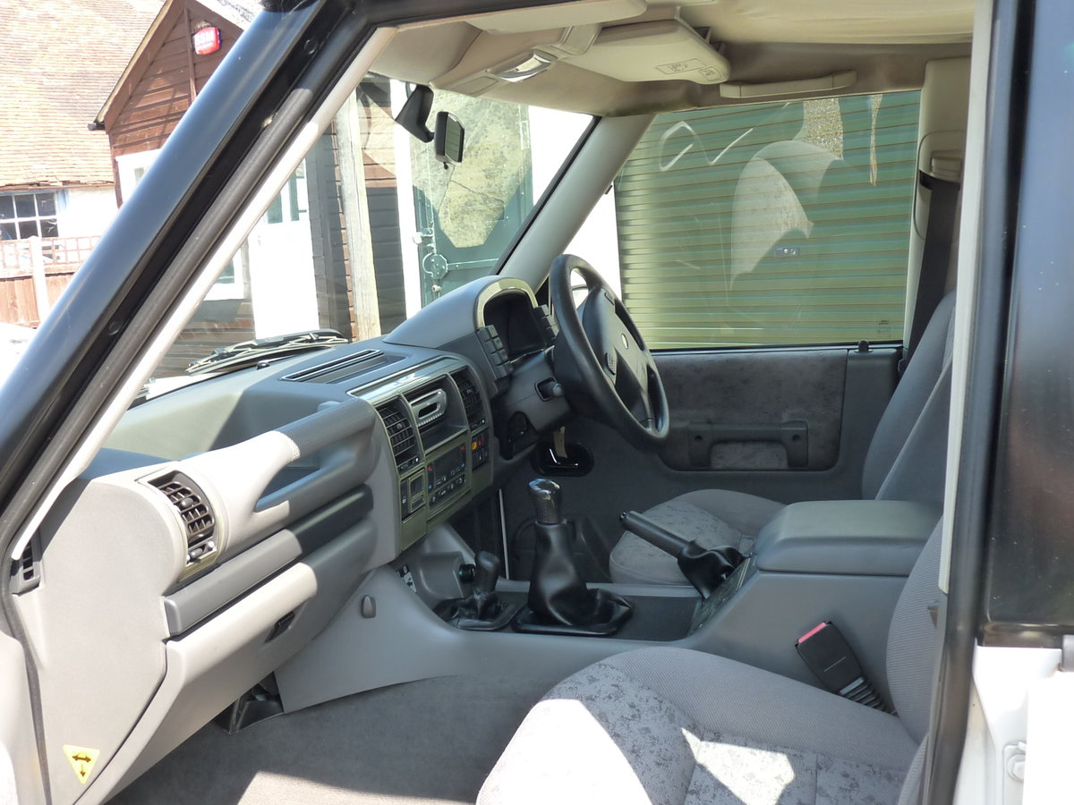2003 Land Rover Discovery 2 4.0 V8i, three owners For Sale (picture 3 of 6)
