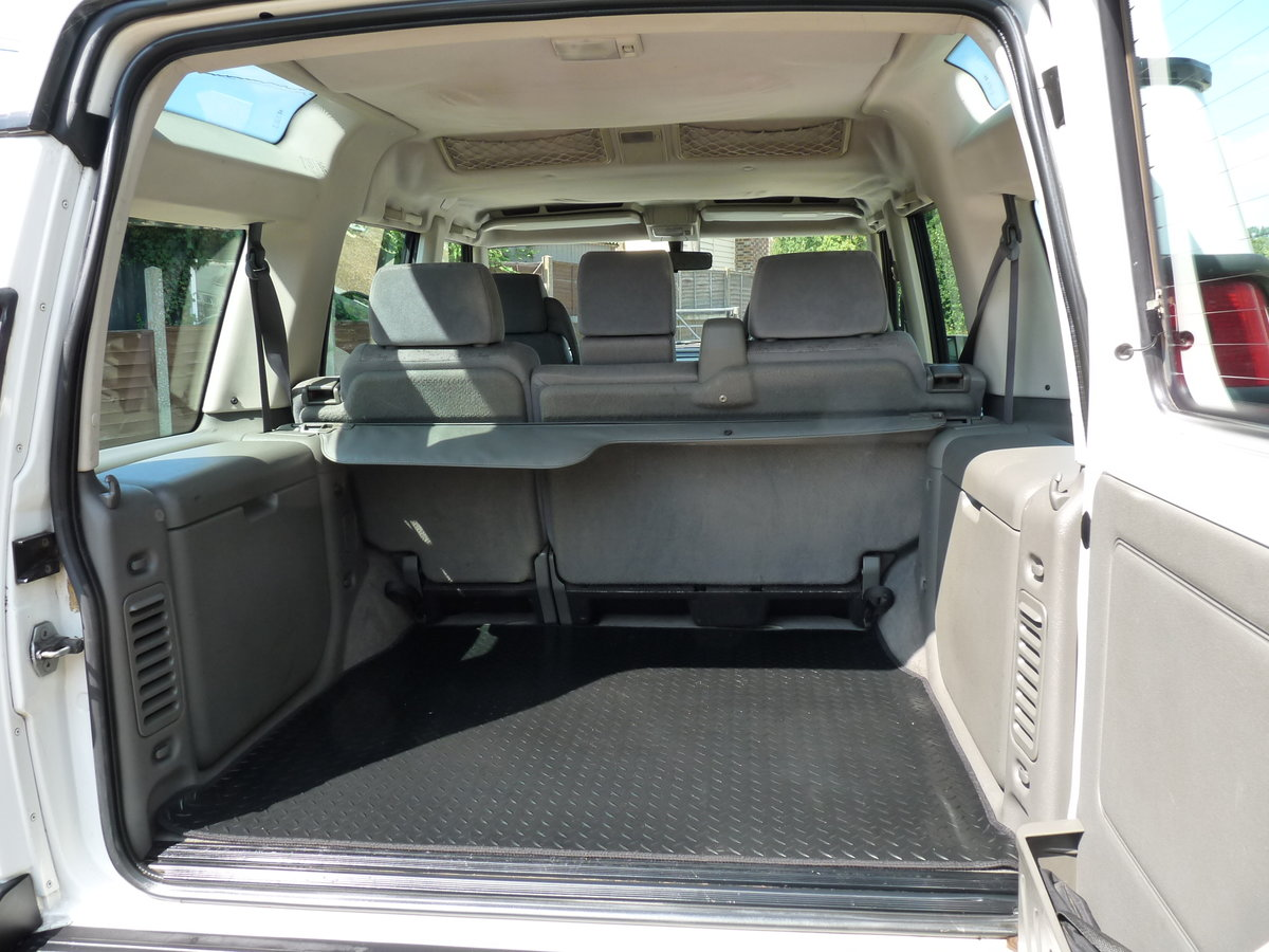 2003 Land Rover Discovery 2 4.0 V8i, three owners For Sale (picture 6 of 6)