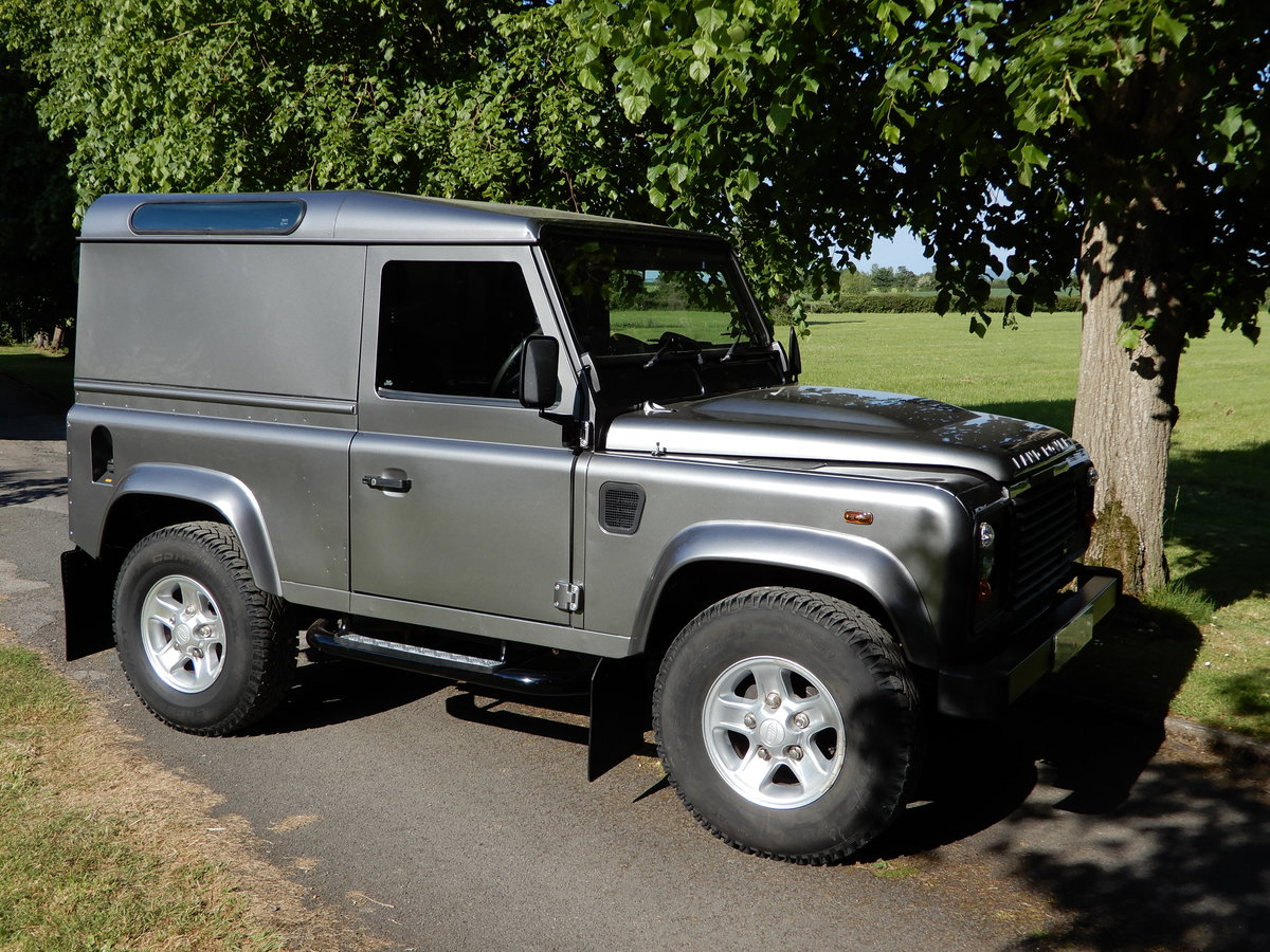 2011 2001 Land Rover Defender 90 County Hard Top For Sale (picture 1 of 5)