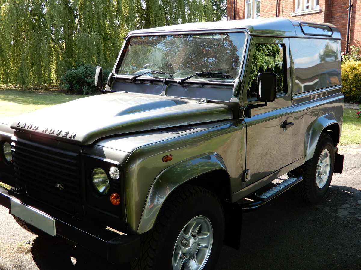 2011 2001 Land Rover Defender 90 County Hard Top For Sale (picture 2 of 5)