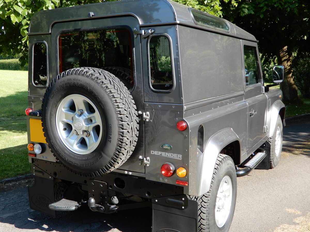 2011 2001 Land Rover Defender 90 County Hard Top For Sale (picture 4 of 5)