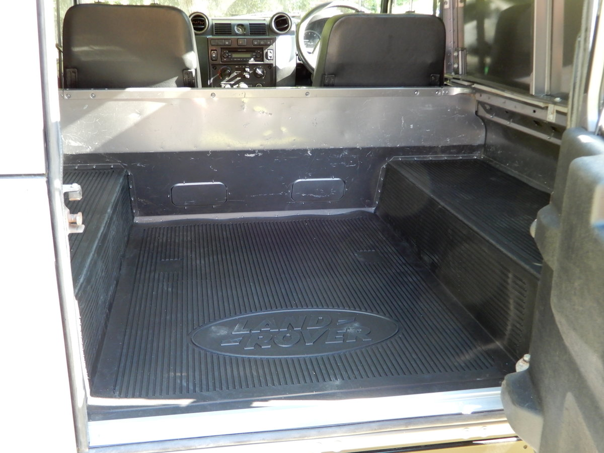 2011 2001 Land Rover Defender 90 County Hard Top For Sale (picture 5 of 5)