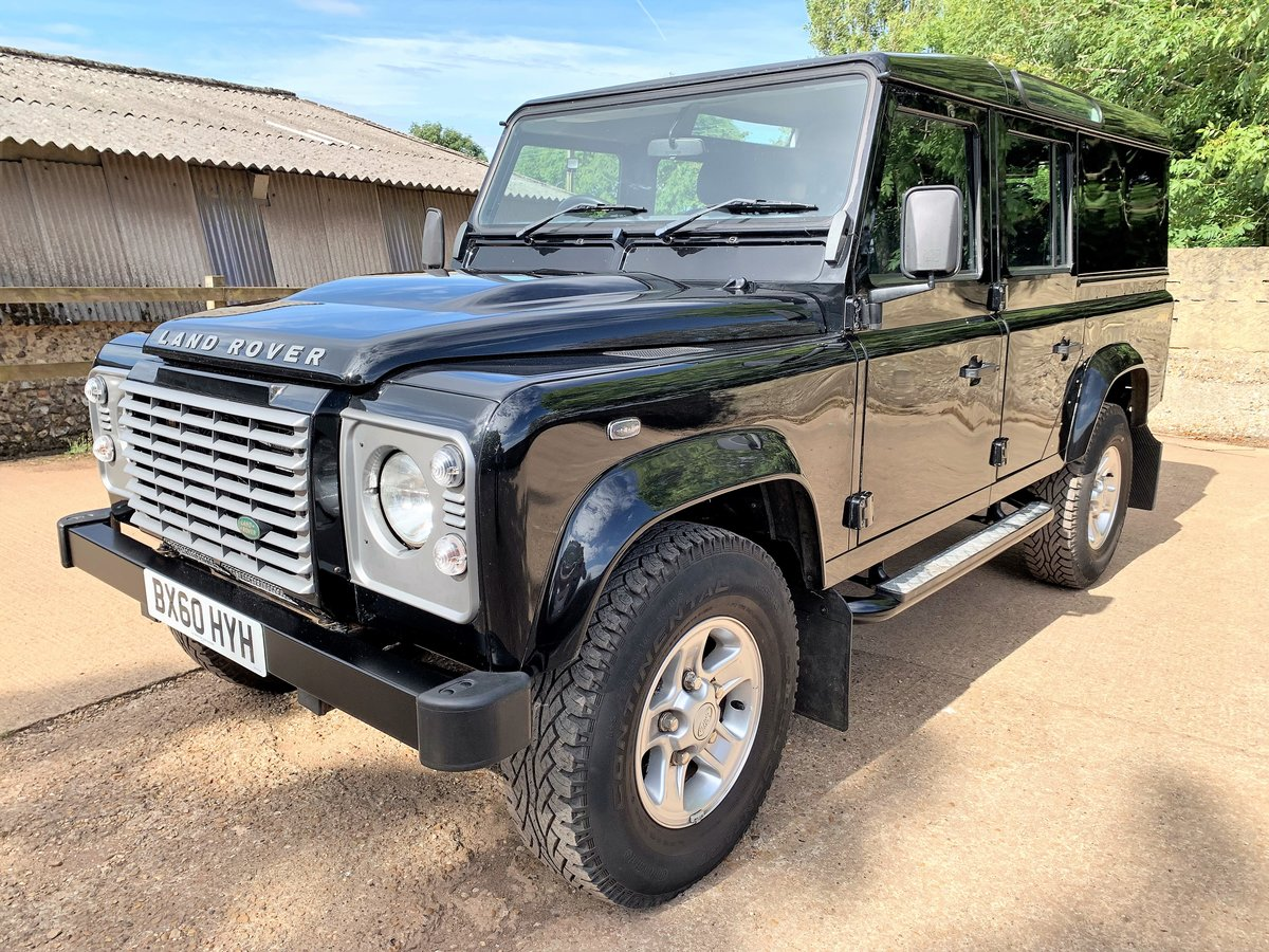 superb 2010 Defender 110 TDCi XS utility wagon+39000m SOLD (picture 2 of 6)