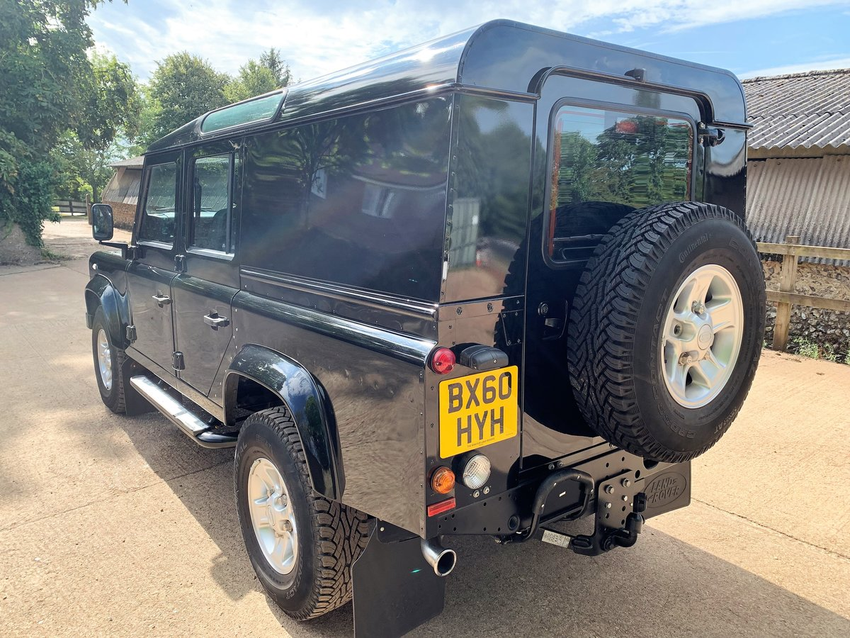 superb 2010 Defender 110 TDCi XS utility wagon+39000m SOLD (picture 5 of 6)