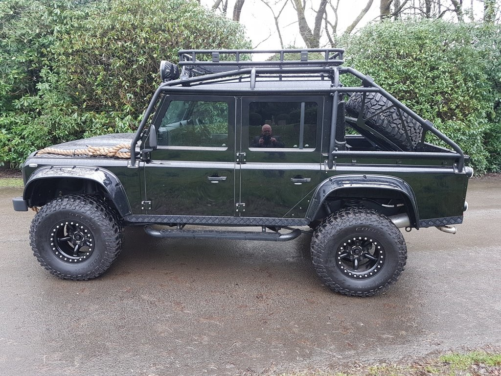 """2015 64 PLATE LAND ROVER DEFENDER """"SPECTRE"""" EDITION For Sale (picture 2 of 6)"""